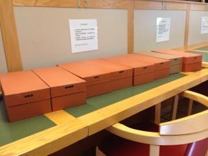 Kortlådor med personregister över Växjö skolas elever